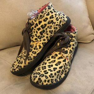 Toms Youth 6 Cheetah Print Toms Botas Boots Flat